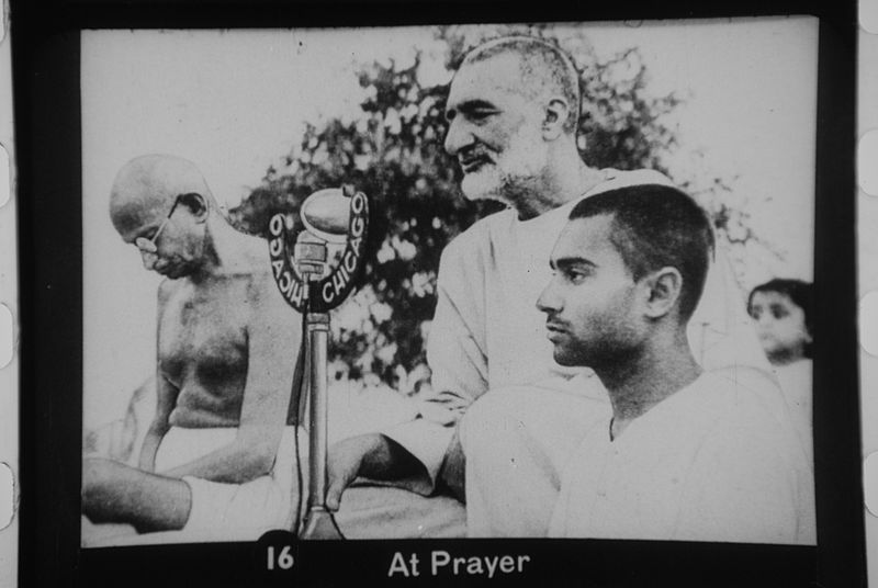 Abdul Ghaffar Khan and Mohandas Gandhi in Prayer