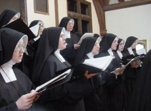 Sisters_(Daughters_of_Mary)_Roman_Catholic_Singing
