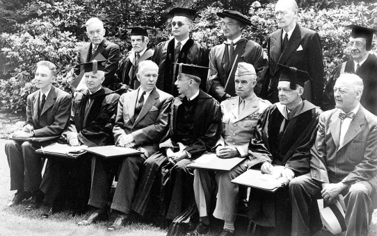 Oppenheimer_Marshall_Conant_Bradley_and_others_at_Harvard
